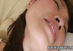 Gadis mom japan bokep besar bermain dengan jari-jarinya